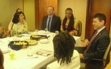 Ministros recebem representantes da mídia negra brasileira.